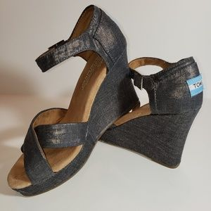 TOMS Metallic Grey Silver Wedge Sandals Sz 6.5 EUC